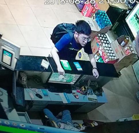 济南16岁男孩袁卓文2018-08-28离家出走后失联,戴圆框眼镜