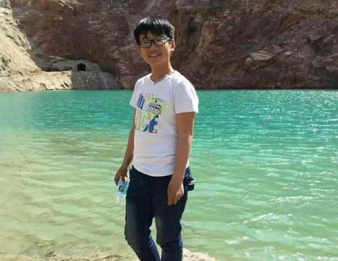 急寻山西忻州16岁男孩2018-12-24离家出走失联,身高1.7穿卫衣戴眼镜